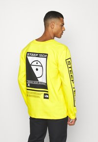 The North Face - STEEP TECH TEE UNISEX - Long sleeved top - lightning yellow - 2