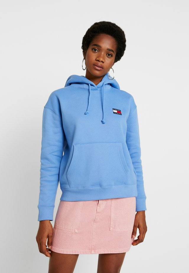 BADGE HOODIE - Sweat à capuche - ultramarine