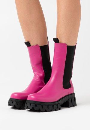 VEGAN SENTRY - Platform boots - pink