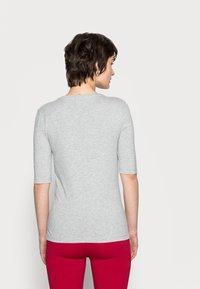 Tommy Hilfiger - Basic T-shirt - light grey heather - 2
