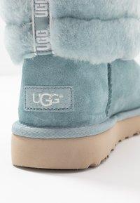 UGG - FLUFF MINI - Bottes de neige - succulent - 2
