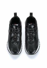 HUGO - Trainers - black - 3
