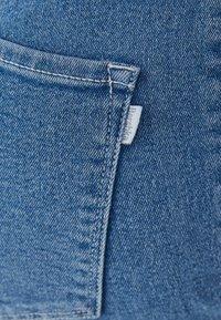 Bershka - SUPER HIGH WAIST - Slim fit jeans - blue denim - 5