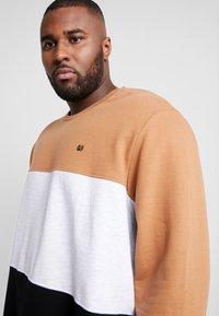Burton Menswear London - C&S B&T - Bluza - brown - 4