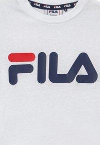 Fila - LEA CLASSIC LOGO TEE - T-shirt z nadrukiem - bright white - 3