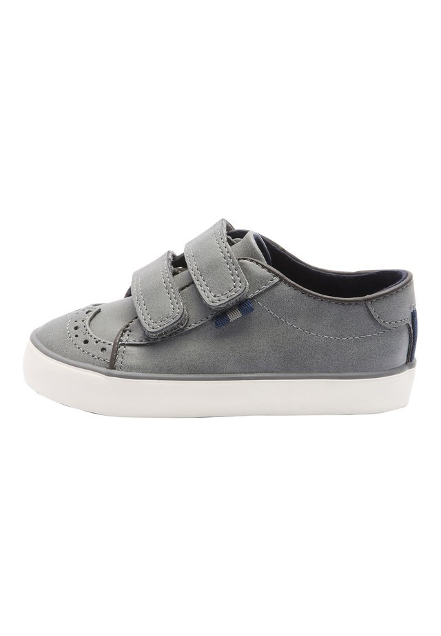 TAN BROGUE STRAP TOUCH FASTENING SHOES (YOUNGER) - Babyschoenen - grey