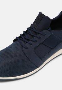 ALDO - MOONAH - Sneaker low - navy - 6