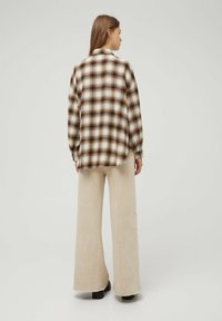 PULL&BEAR - Button-down blouse - mottled brown - 2