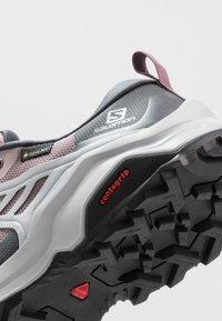 Salomon - X RAISE GTX - Hiking shoes - quail/india ink/flint - 5