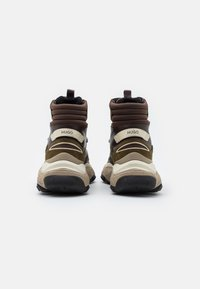 HUGO - ATOMIC - High-top trainers - open brown - 2