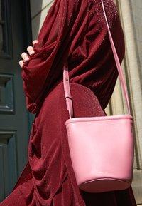 Mansur Gavriel - MINI ZIP BUCKET - Across body bag - peony/pink - 2