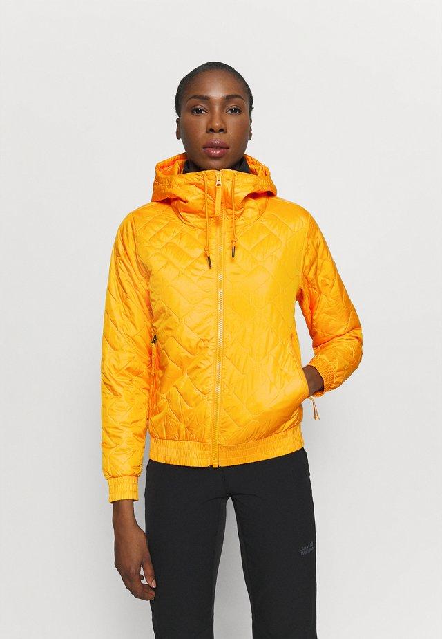 SWEET VIEW™ INSULATED - Ulkoilutakki - bright marigold