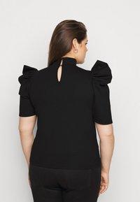 Pieces Curve - PCRYLEE  - Basic T-shirt - black - 2