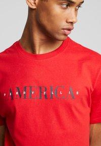 Perry Ellis America - Print T-shirt - haute red - 4