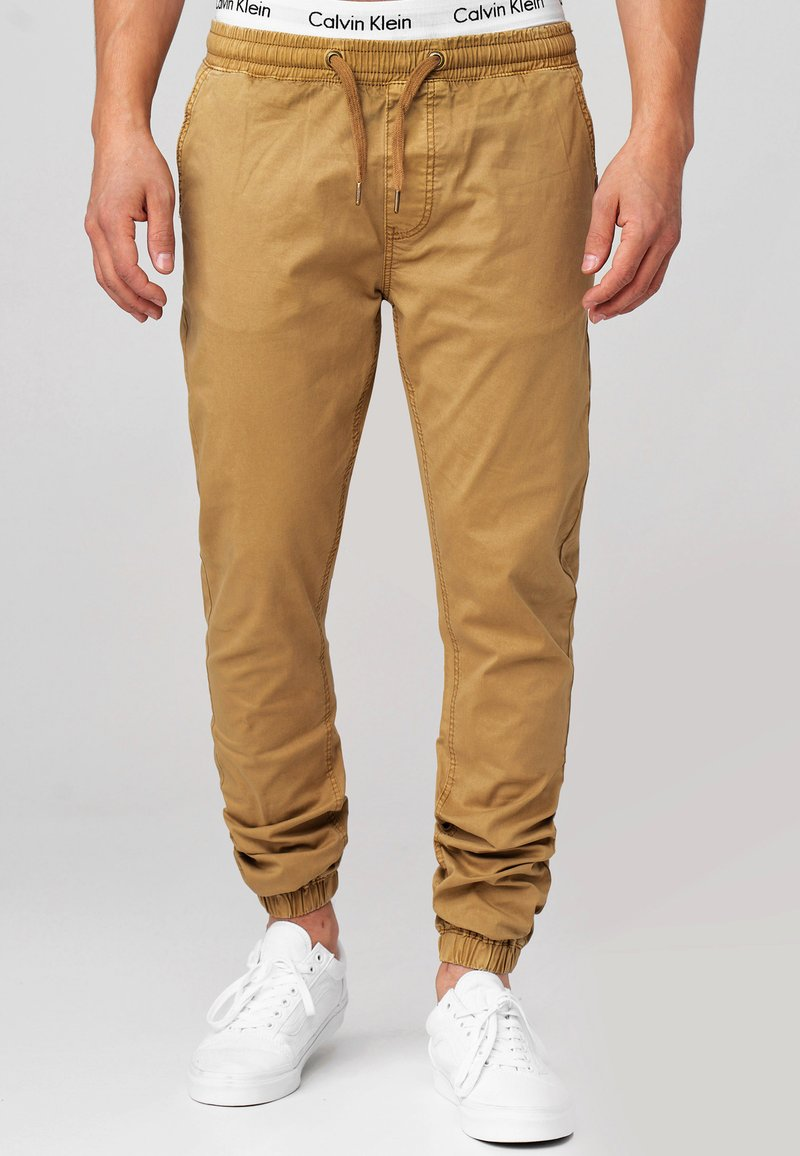 INDICODE JEANS - FIELDS - Trousers - amber