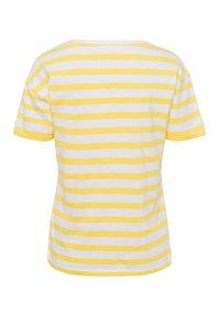 BRAX - STYLE CAMILLE - Print T-shirt - sun yellow - 1