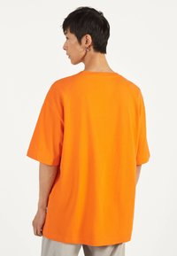 Bershka - Basic T-shirt - orange - 2