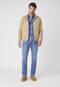 Wrangler - Summer jacket - sand - 1