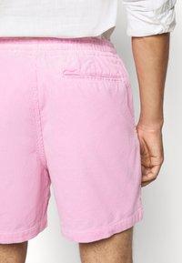 Polo Ralph Lauren - CLASSIC FIT PREPSTER SHORT - Shorts - carmel pink - 6