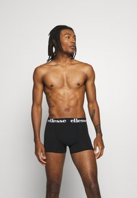 Ellesse - NURRA FASHION TRUNKS 5 PACK - Pants - black - 3