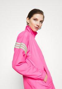 adidas Originals - SWAROVSKI TRACK  - Træningsjakker - solar pink - 4