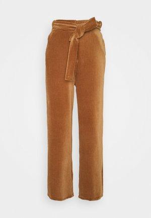 CORNELIA PANTS - Bukse - thrush