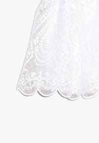 Name it - NMFSANDIE SPENCER - Koktejlové šaty/ šaty na párty - bright white - 3