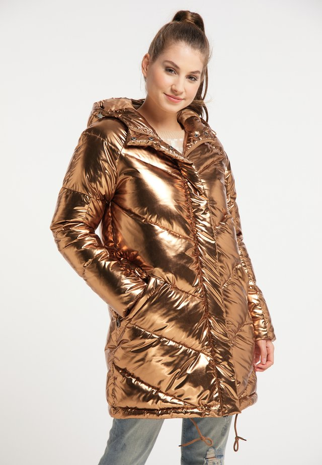 Winter coat - gold