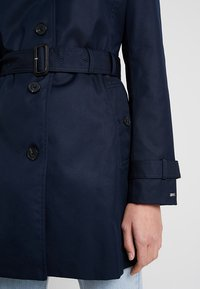 Tommy Hilfiger - HERITAGE SINGLE BREASTED - Trenchcoat - midnight - 5