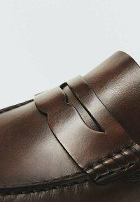 Massimo Dutti - Smart slip-ons - brown - 6
