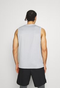 Nike Performance - DRY TANK - Top - particle grey/grey fog/heather/black - 2