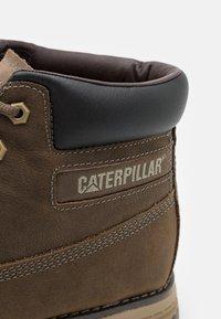 Cat Footwear - FOUNDER WP  - Šněrovací kotníkové boty - gravity grey - 5