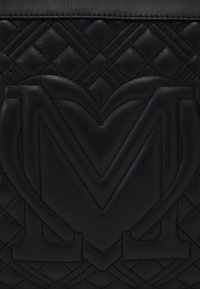 Love Moschino - QUILTED SOFT - Handbag - nero - 4