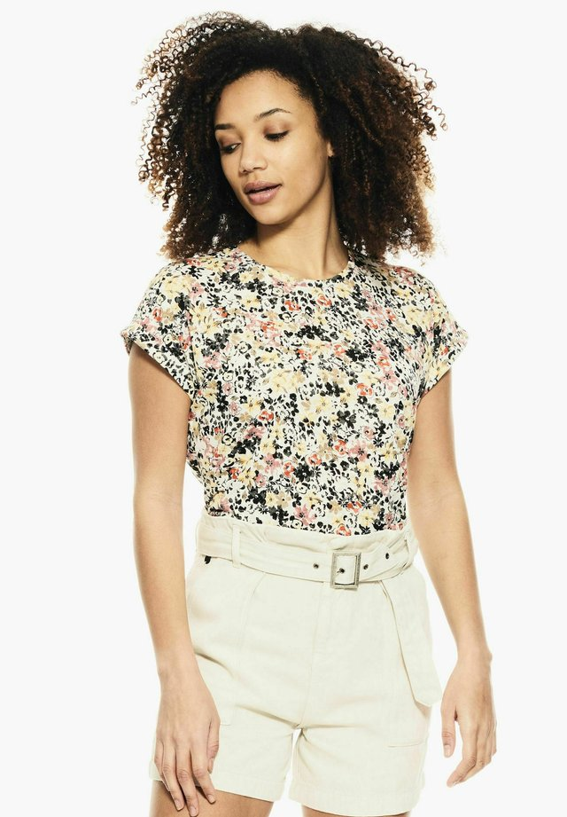 WITH FLORAL PRINT - T-shirt print - buttercup