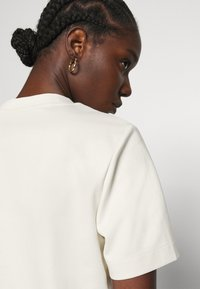 ARKET - T-shirts - offwhite - 3