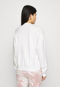 Abercrombie & Fitch - MOCK NECK LOGO CREW - Sweatshirt - white - 2