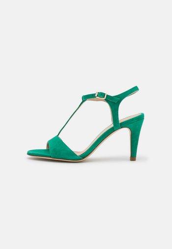 AMAMIA - Sandals - vert