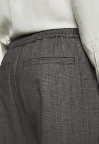 Won Hundred - CHASE - Trousers - black/grey - 3