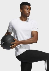 adidas Performance - STUDIO TECH TECHFIT SEAMLESS T-SHIRT - Basic T-shirt - grey - 5