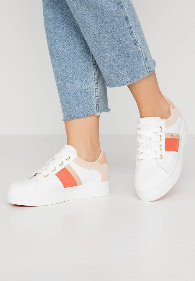 AVONA  - Trainers - bright white/coral