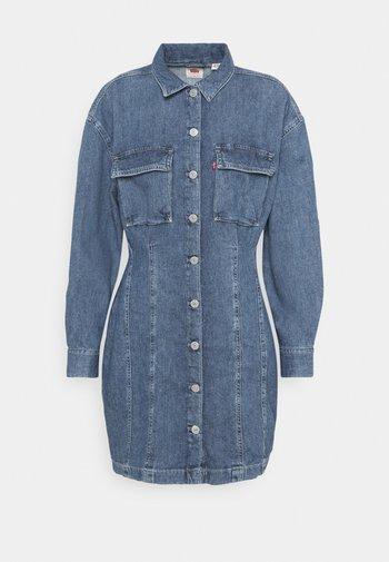 BRAELYN UTILITY DRESS - Denim dress - blue denim