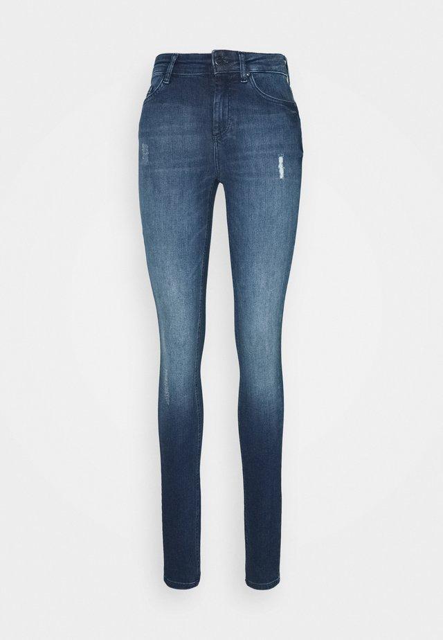 ONLBLUSH LIFE HIGH WAIST - Skinny džíny - medium blue denim
