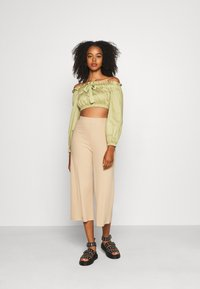 Even&Odd - Wide Cropped Pants - Trousers - cuban sand - 1