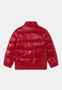 Polo Ralph Lauren - HAWTHORNE - Bunda zprachového peří - red - 2