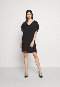DKNY - VNECK DRESS RUFFLE  - Kjole - black - 1