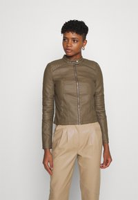 Vero Moda - VMLOVECINDY COATED JACKET - Giacca in similpelle - bungee - 0