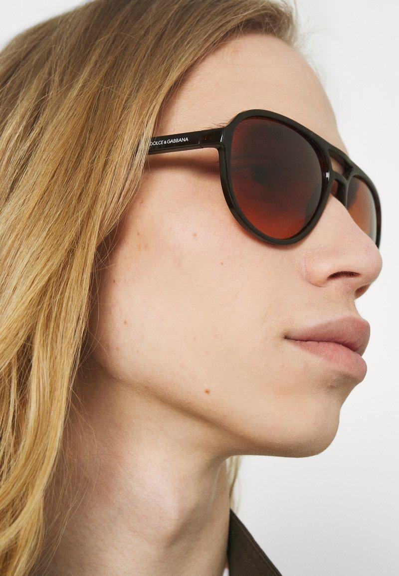 Dolce&Gabbana - Solglasögon - transparent tobacco