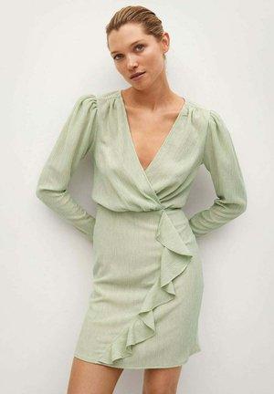 Pouzdrové šaty - pastellgrün