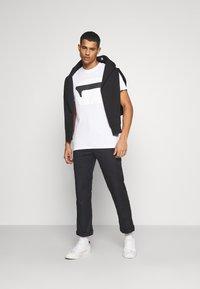G-Star - 3D NO.1 LOGO+ R T S\S - Print T-shirt - compact white - 1