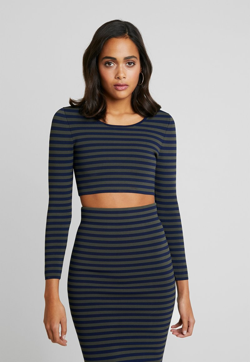Good American - LONG SLEEVE STRIPE CROP - Topper langermet - dark blue